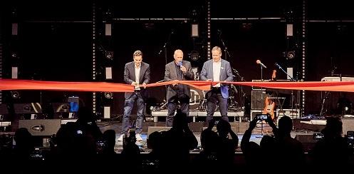 Alexander-Pietschmann, David-Kirby, und Markus Jahnel eröffnen das Experience Center von Adam Hall