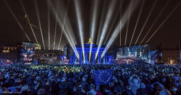 LED-Fluter: 25-Jahre-Mauerfall-Berlin