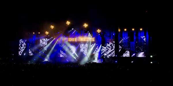 Aerzte-Live-Buehne-Spot