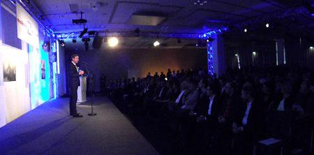 Senior Vice President Messe Frankfurt Exhibition Stephan Kurzawski eröffnete die Veranstaltung.